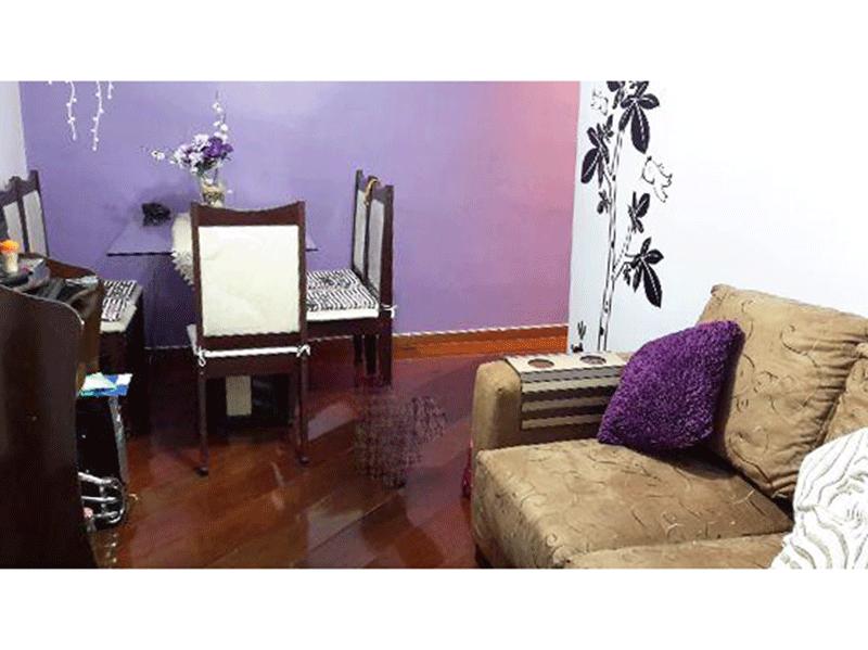 Jabaquara, Apartamento Padrão - Sala em L com piso de madeira, teto com moldura de gesso e iluminação embutida.