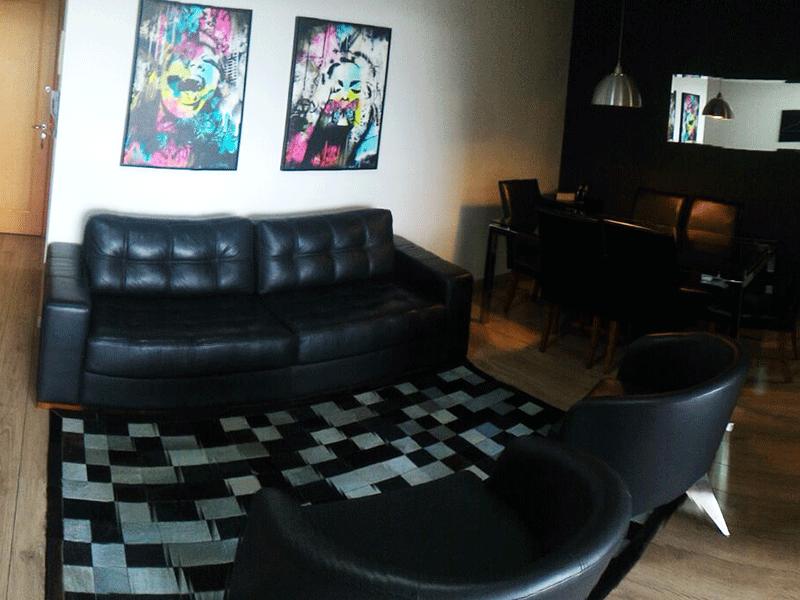 Jabaquara, Apartamento Padrão-Sala em L com dois ambientes, piso laminado e acesso a varanda.