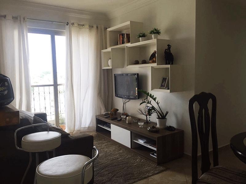 Jabaquara, Apartamento Padrão-Sala retangular com piso de cerâmica, teto com moldura de gesso e acesso a varanda.