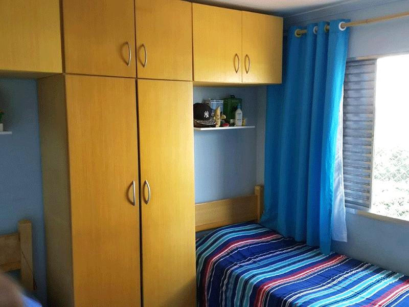 Jabaquara, Apartamento Padrão-1º dormitório com piso de madeira e teto com moldura de gesso.