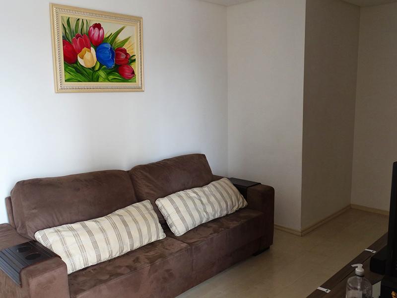 Sacomã, Apartamento Padrão-Sala com piso de porcelanato e teto rebaixado com iluminação embutida.