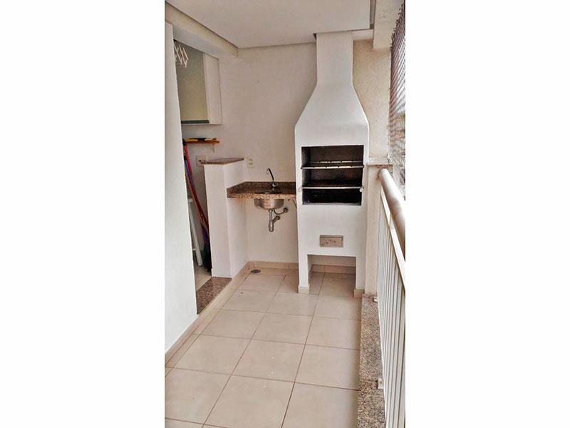 Sacomã, Apartamento Padrão-Varanda gourmet com piso de cerâmica, teto com sanca, pia de granito, churrasqueira e tela de proteção.