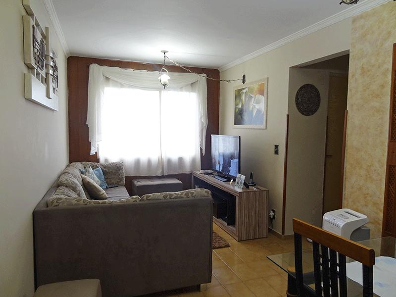 Sacomã, Apartamento Padrão - Sala com piso de cerâmica e teto com moldura de gesso.