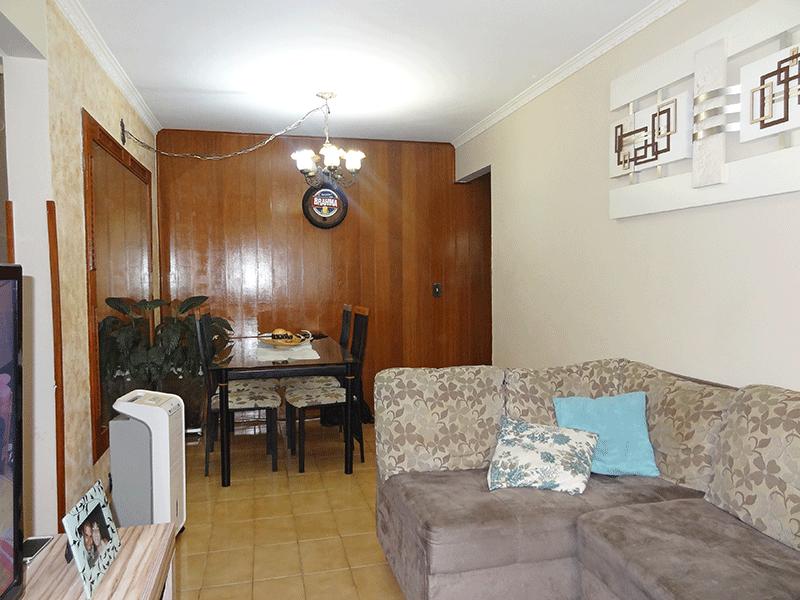 Sacomã, Apartamento Padrão-Sala com piso de cerâmica e teto com moldura de gesso.