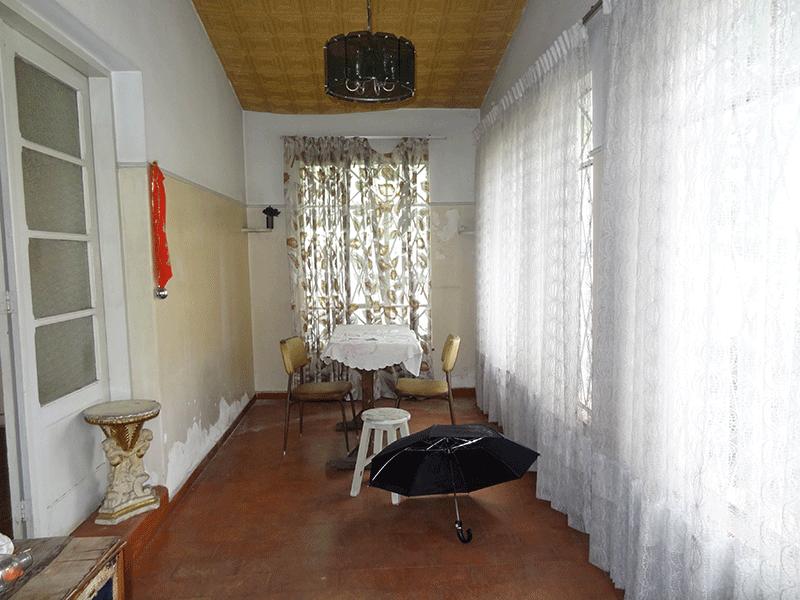 Ipiranga, Casa Térrea-Hall de entrada retangular com piso de cerâmica.