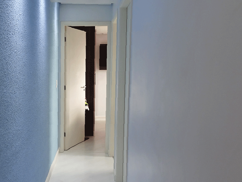 Sacomã, Apartamento Padrão-Corredor com piso laminado, teto rebaixado e iluminação embutida.