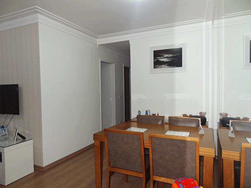 Sacomã, Apartamento Padrão-Sala em L com piso laminado, teto com moldura de gesso e acesso à varanda.