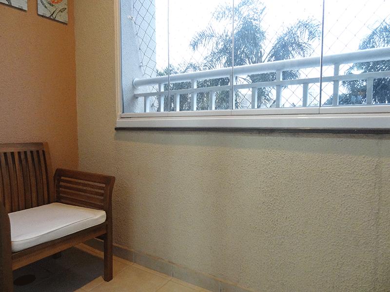 Sacomã, Apartamento Padrão-Varanda com piso de cerâmica, iluminação embutida, envidraçada e tela de proteção.