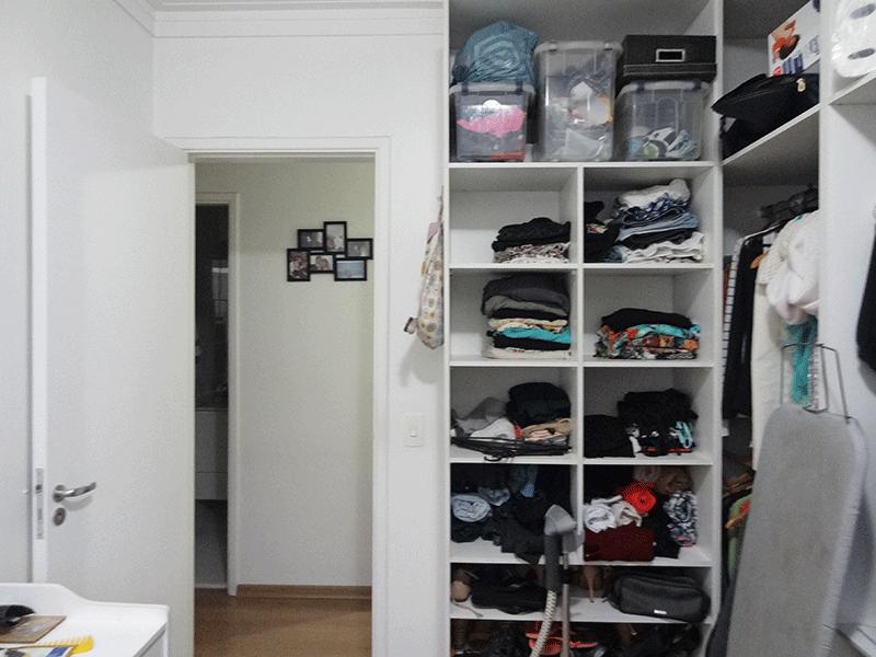 Sacomã, Apartamento Padrão-3º dormitório com piso laminado, teto com moldura de gesso e armários planejados (transformado em closet).