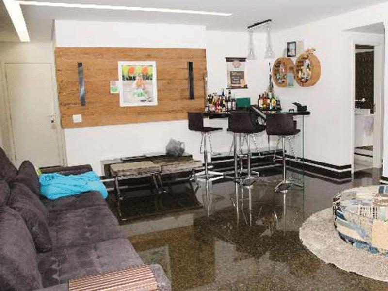 Ipiranga, Apartamento Padrão-Sala com piso de granito.