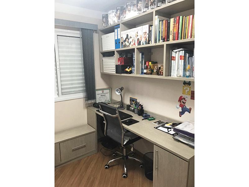 Sacomã, Apartamento Padrão-3º dormitório transformado em escritório com piso laminado e armários planejados.