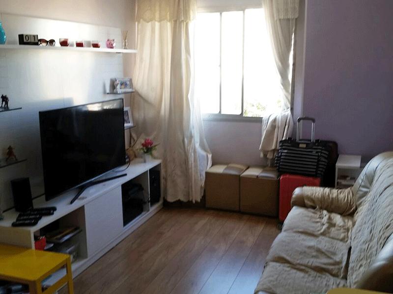 Sacomã, Apartamento Padrão-Sala retangular com piso de madeira.