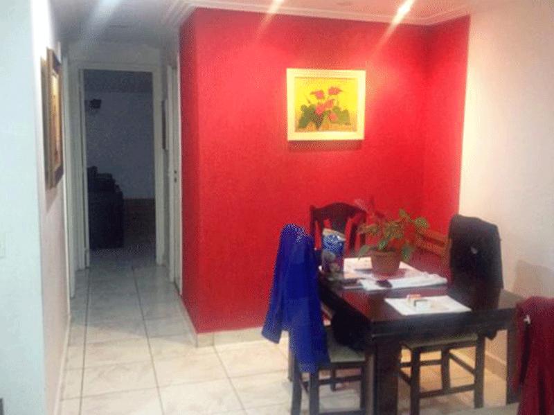 Jabaquara, Apartamento Padrão-Sala em L com piso de cerâmica e teto com sanca de gesso.