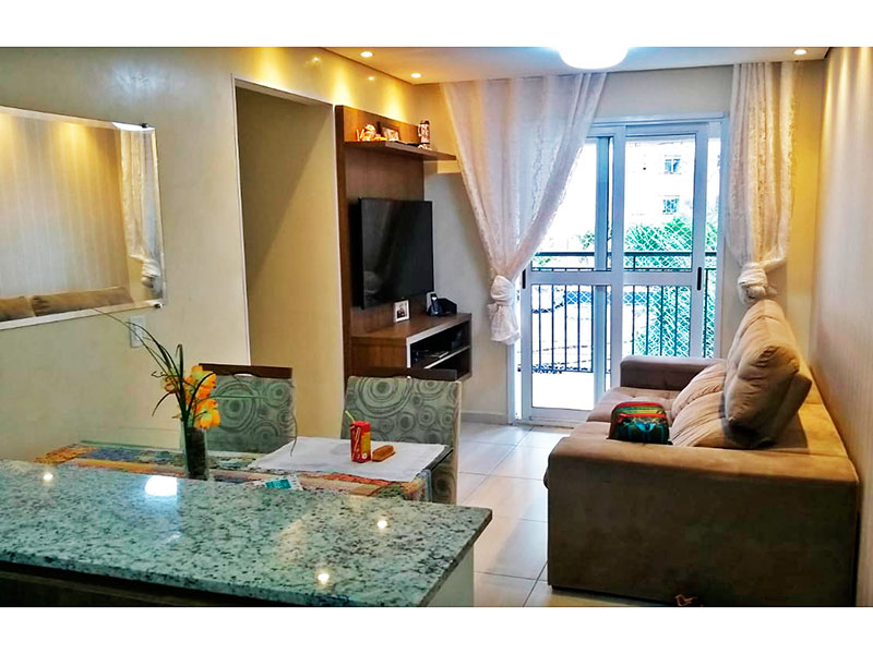 Sacomã, Apartamento Padrão - Sala com piso de cerâmica, teto com sanca, iluminação embutida e acesso a varanda.