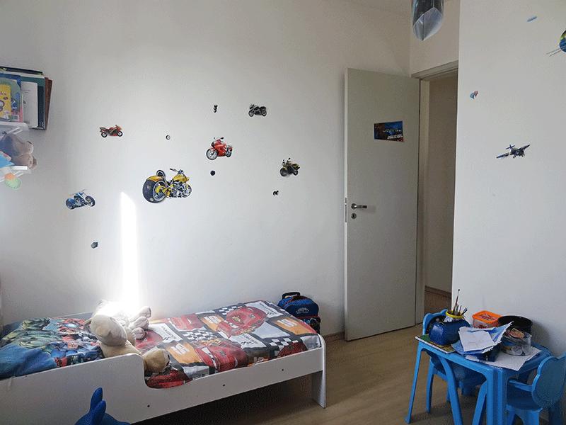 Sacomã, Apartamento Padrão-3º dormitórios com piso laminado.