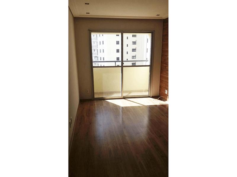 Sacomã, Apartamento Padrão-Sala retangular com piso de vinílico, teto rebaixado com iluminação embutida e acesso à varanda.