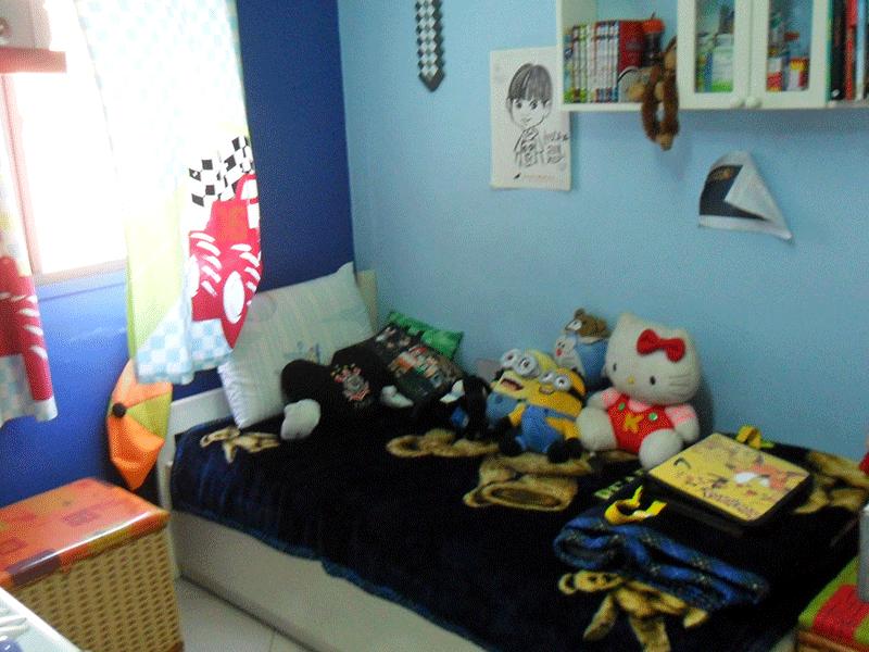 Sacomã, Apartamento Padrão-2º dormitório com piso de porcelanato, armários e tela de proteção.