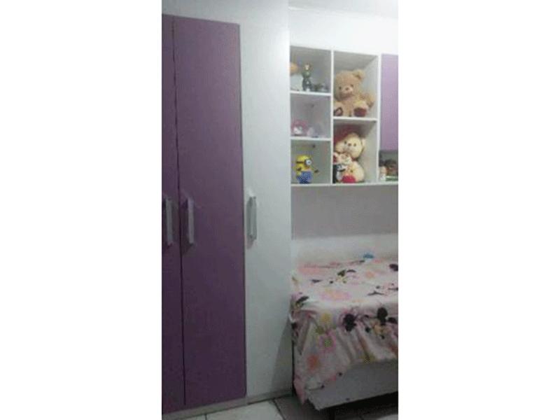 Sacomã, Apartamento Padrão-2º dormitório com piso de cerâmica, teto com moldura de gesso e armários planejados.