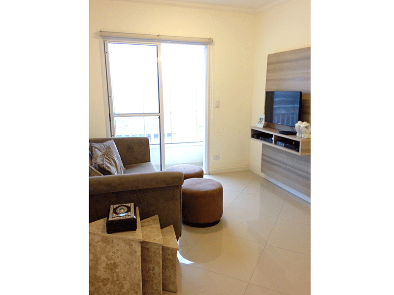Sacomã, Apartamento Padrão - Sala dois ambientes com piso de porcelanato, teto com moldura de gesso e acesso à varanda.