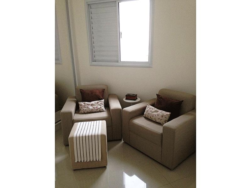 Sacomã, Apartamento Padrão-2º dormitório com piso de porcelanato, teto com moldura de gesso e armários planejados.