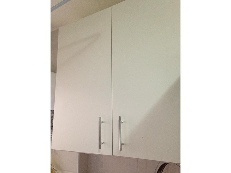 Sacomã, Apartamento Padrão-Área de serviço com piso de porcelanato, armário e divisória de vidro.