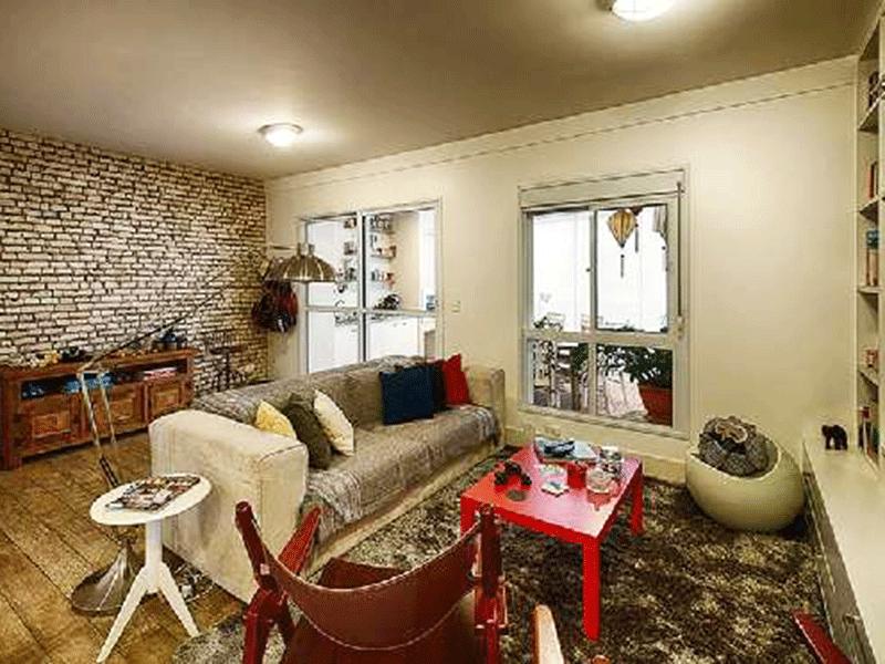 Ipiranga, Apartamento Padrão - Sala ampliada com assoalho de madeira, teto com moldura de gesso, estante planejada e acesso à varanda gourmet (3º e 4º dormitórios transformados em sala e suíte ampliadas).