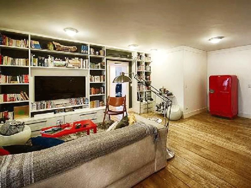 Ipiranga, Apartamento Padrão-Sala ampliada com assoalho de madeira, teto com moldura de gesso, estante planejada e acesso à varanda gourmet (3º e 4º dormitórios transformados em sala e suíte ampliadas).