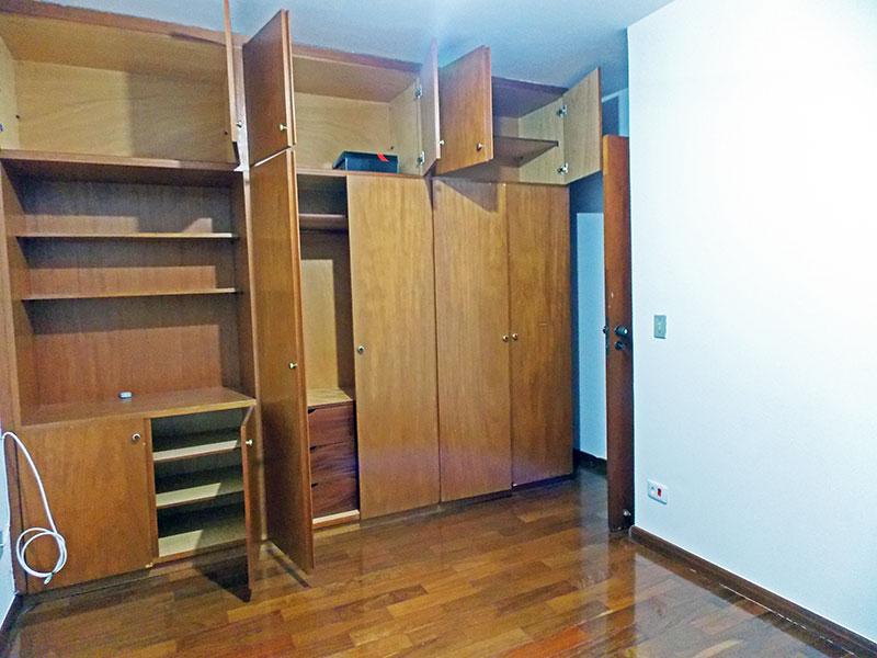 Ipiranga, Apartamento Padrão-2º Quarto com piso de tacão e armários planejados.