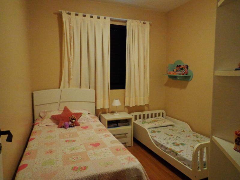 Jabaquara, Apartamento Padrão-Dormitório com piso laminado e armários.