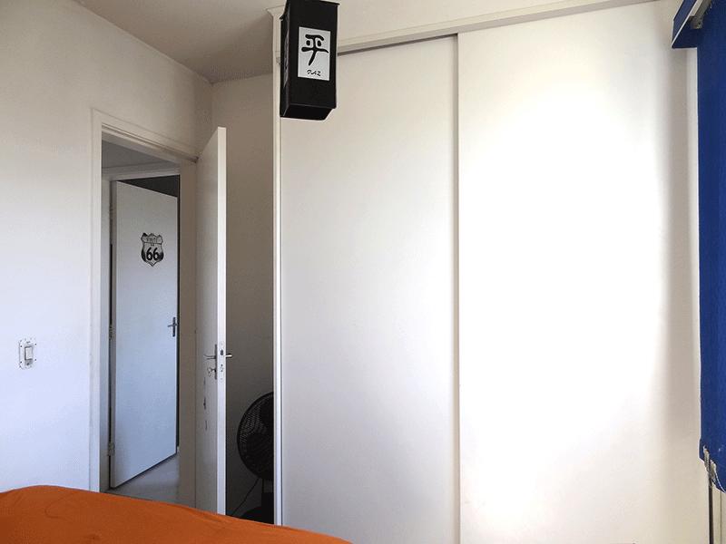 Ipiranga, Apartamento Padrão-1º dormitório com piso com piso laminado e armários planejados.