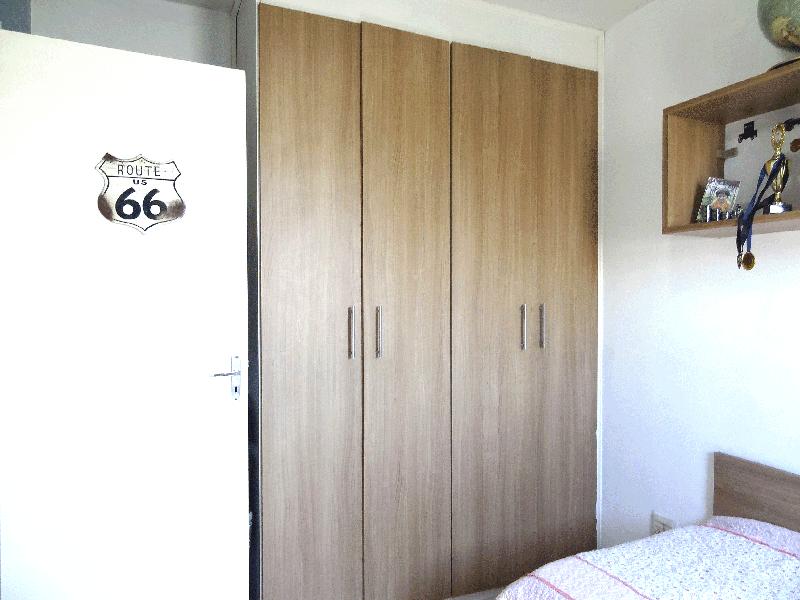 Ipiranga, Apartamento Padrão-2º dormitório com piso com piso laminado e armários planejados.
