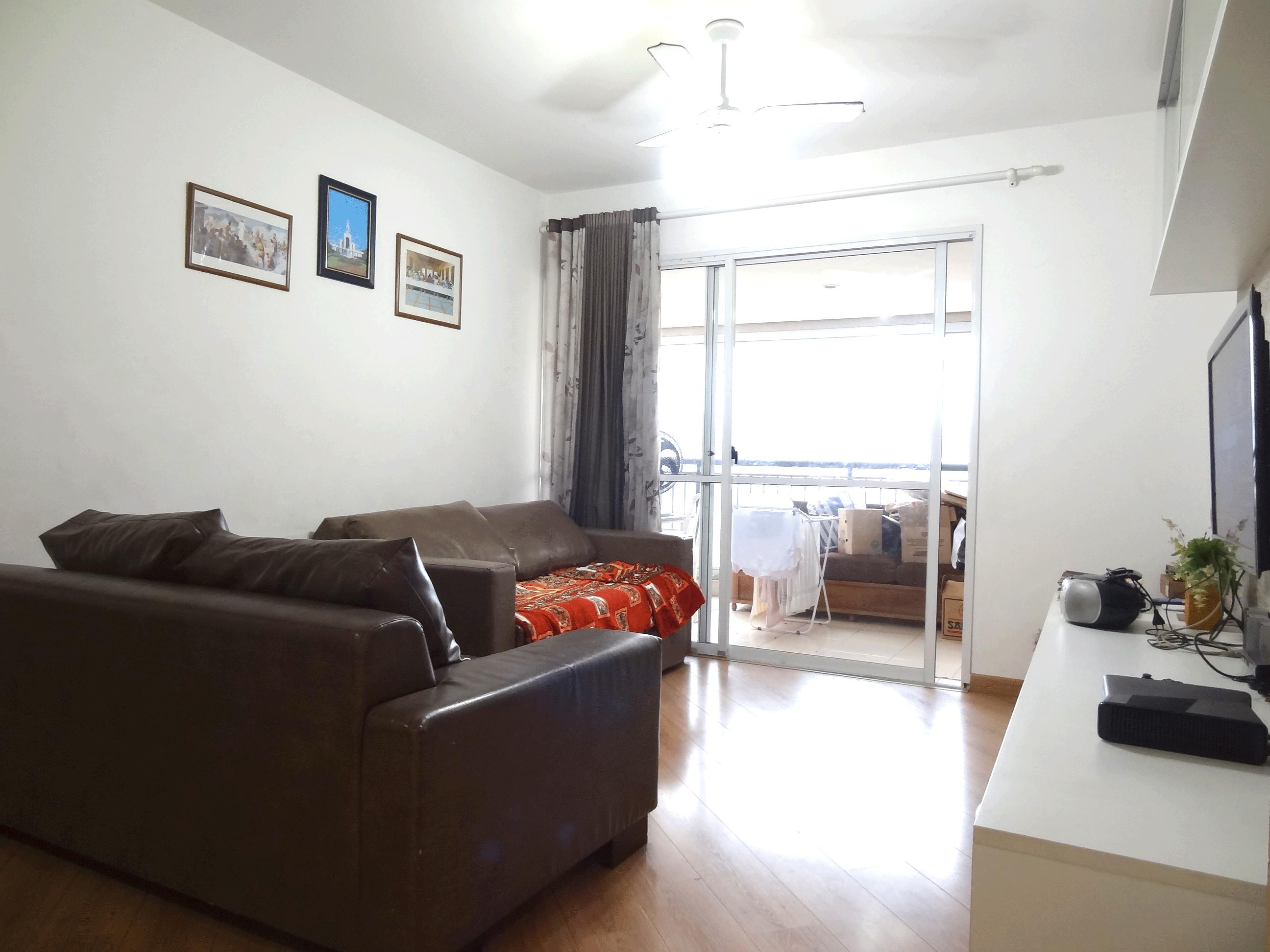 Jabaquara, Apartamento Garden-Sala com dois ambientes, com piso laminado e acesso à varanda.
