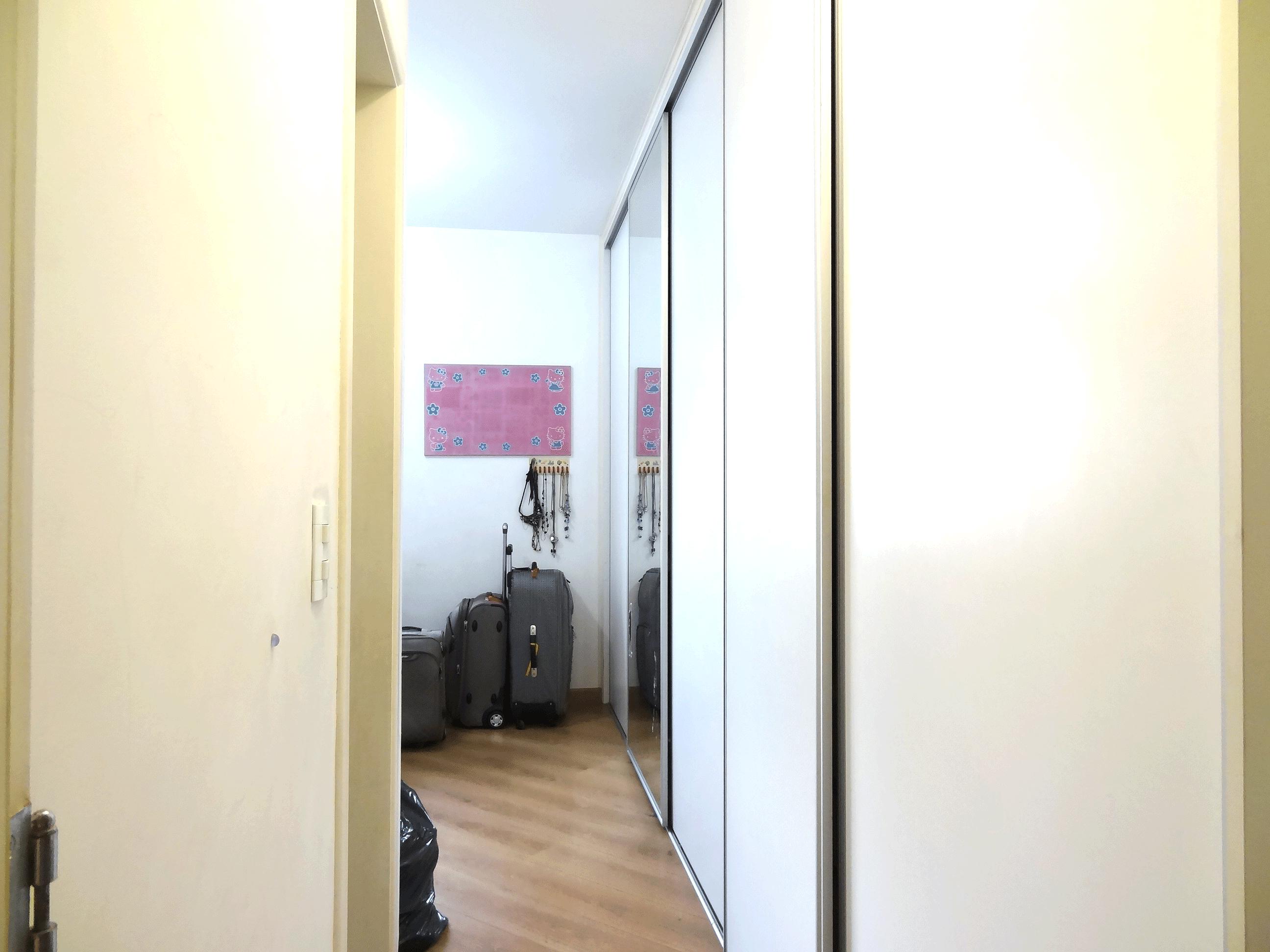 Jabaquara, Apartamento Garden-Suíte com piso laminado e armários planejados.