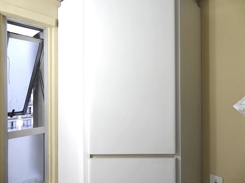 Sacomã, Apartamento Padrão-Banheiro social com piso de cerâmica, pia sintética, gabinete e box de acrílico.