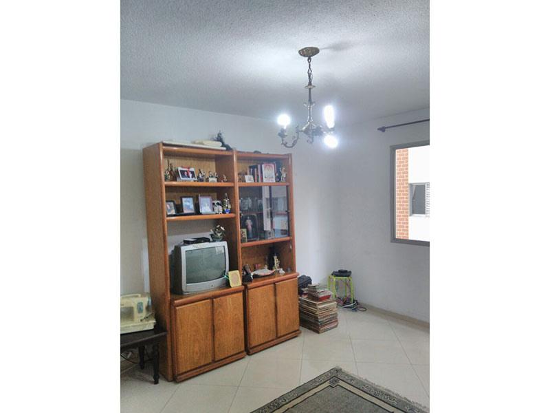 Jabaquara, Apartamento Padrão-Sala com dois ambientes e piso de porcelanato.