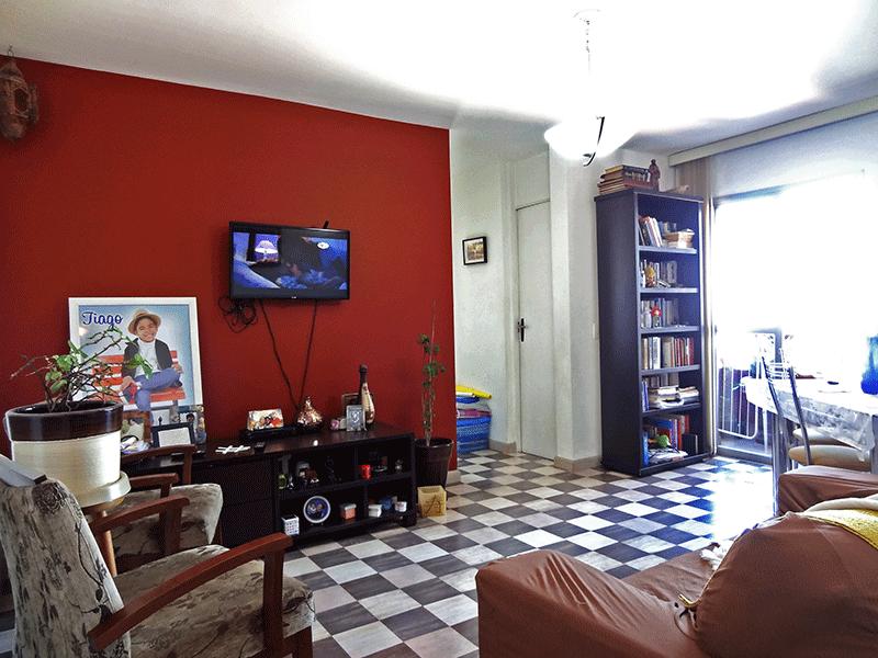 Jabaquara, Apartamento Padrão-Sala com dois ambientes, piso de paviflex e acesso à sacada.