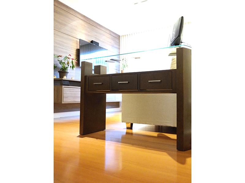 Sacomã, Apartamento Padrão-Sala com dois ambientes, piso laminado, teto com sanca de gesso e iluminação embutida.
