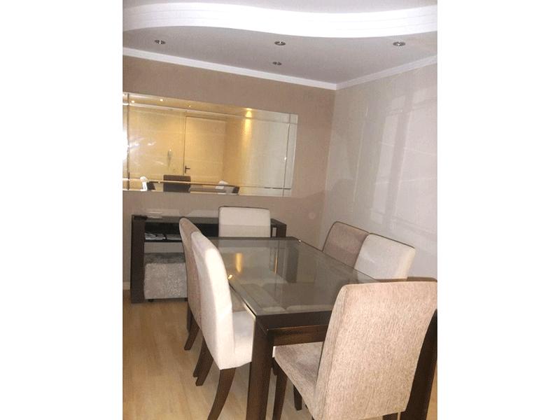 Sacomã, Apartamento Padrão - Sala com dois ambientes, piso laminado, rack embutido, teto com sanca de gesso e iluminação embutida.