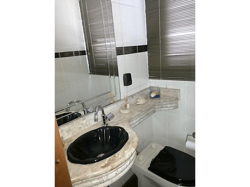 Ipiranga, Apartamento Padrão-Banheiro com pia de mármore.