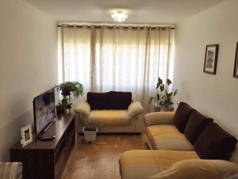 Ipiranga, Apartamento Padrão-Sala com dois ambientes, piso de taco e teto com moldura de gesso.