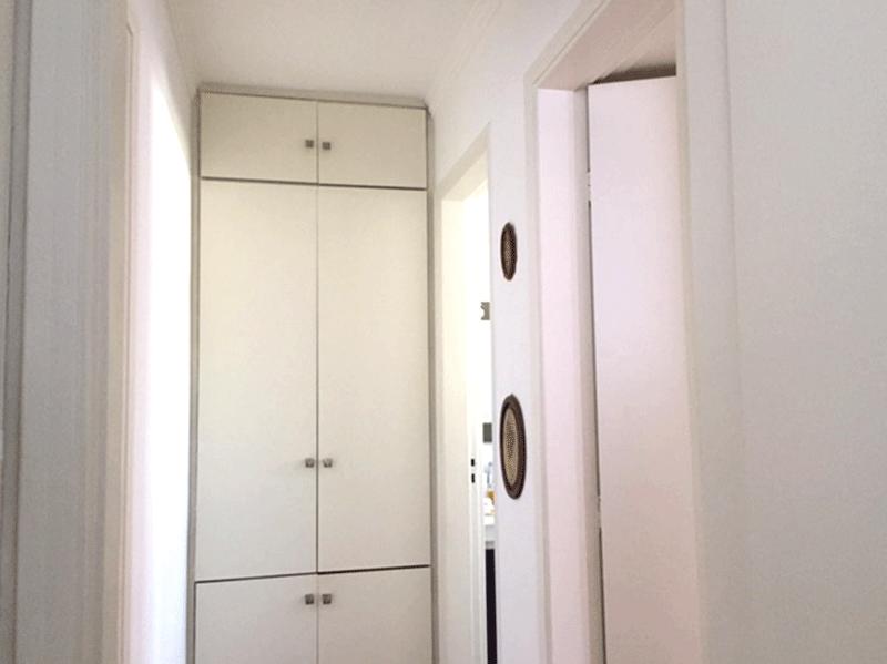 Ipiranga, Apartamento Padrão-Corredor com piso de taco e armário embutido.