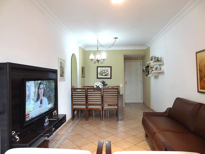Ipiranga, Apartamento Padrão-Sala com dois ambientes, com piso de cerâmica, teto com moldura de gesso e acesso à varanda.