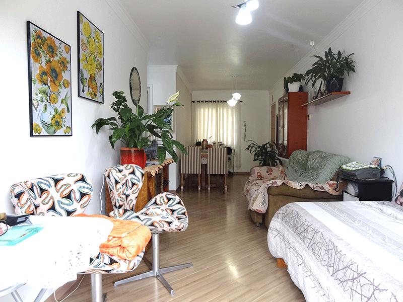 Jabaquara, Apartamento Padrão-Sala ampliada com dois ambientes, piso laminado, teto com moldura de gesso e acesso à sacada (2º dormitório transformado em sala ampliada).