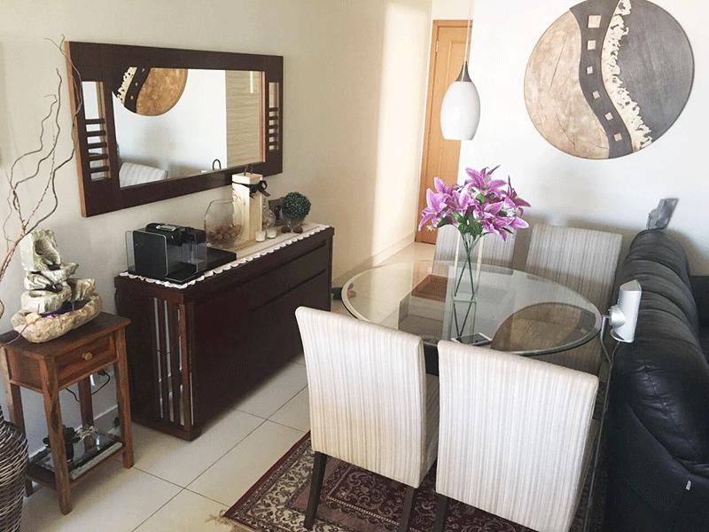 Jabaquara, Apartamento Padrão-Sala com dois ambientes, piso de porcelanato, teto rebaixado, iluminação embutida e acesso à varanda.