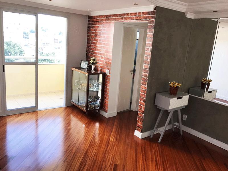 Jabaquara, Apartamento Padrão-Sala com dois ambientes, piso laminado, teto com sanca de gesso, iluminação embutida e acesso à varanda.