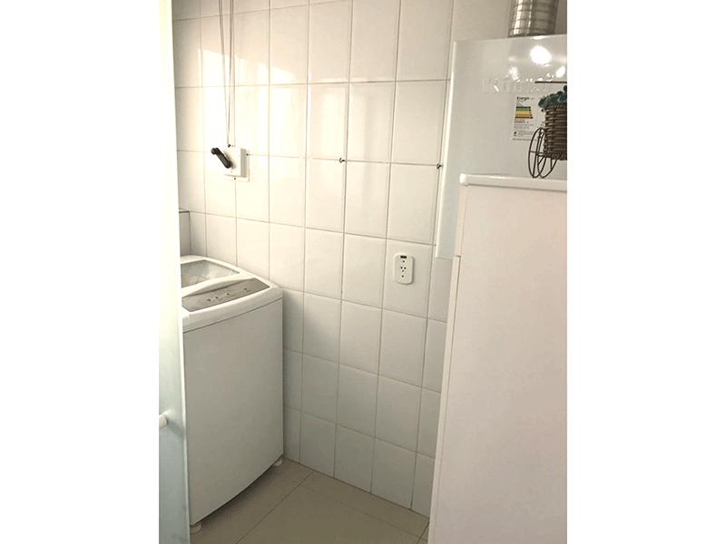 Jabaquara, Apartamento Padrão-Área de serviço com piso de porcelanato e aquecedor de passagem.