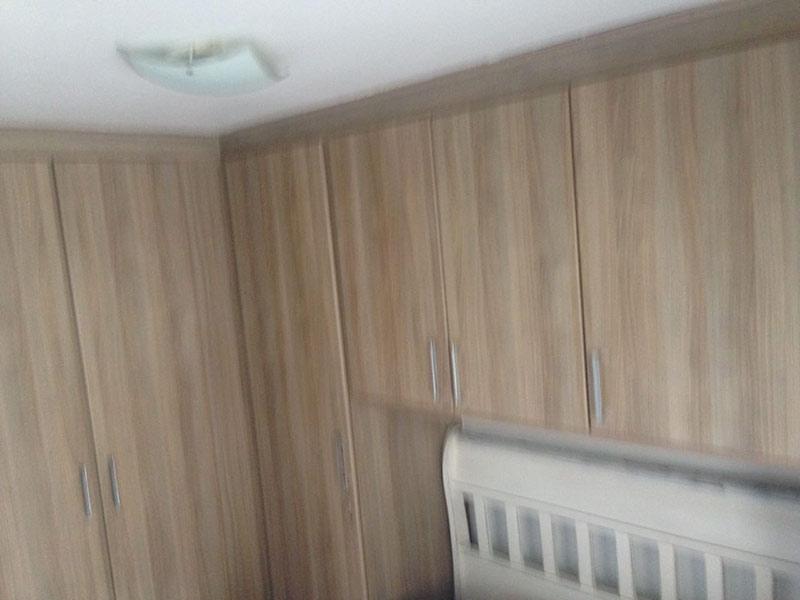 Jabaquara, Apartamento Padrão-1º dormitório com piso de madeira e armários planejados.