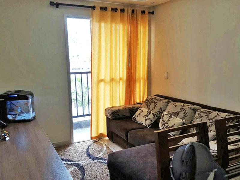 Sacomã, Apartamento Padrão - Sala com dois ambientes, piso de cerâmica, teto com sanca de gesso, iluminação embutida e acesso à varanda.