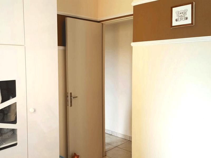 Sacomã, Apartamento Padrão-3º dormitório com piso de cerâmica.