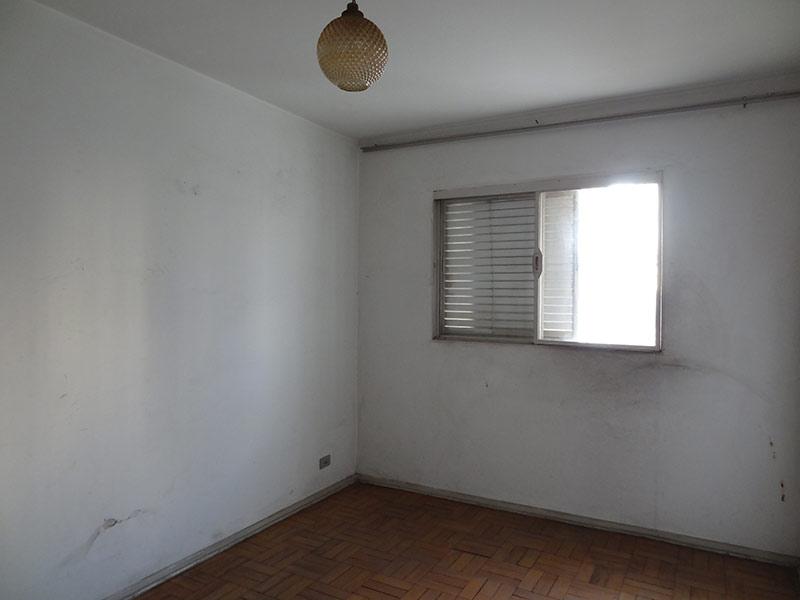 Ipiranga, Apartamento Padrão-2º dormitório com piso de madeira.